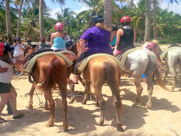 paseo a caballo punta cana pedrito